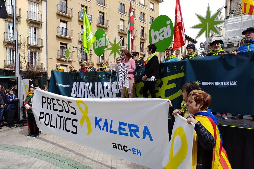 La reivindicación de un proceso soberanista para Euskal Herria y la solidaridad con Catalunya marcan los actos del Aberri Eguna