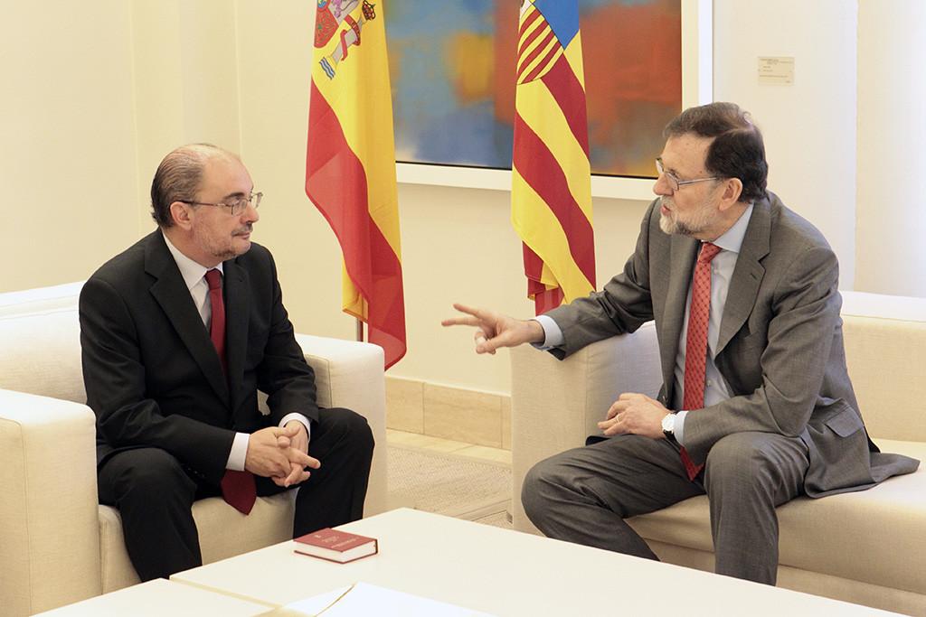 Lambán urge a Rajoy la limpieza del Ebro y cifra en 80 millones dar una solución estructural al río
