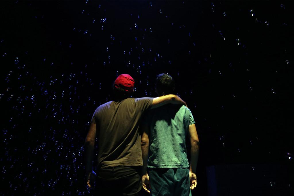 """La compañía La Negra presenta en Arbolé """"En las nubes"""", un espectáculo sobre la amistad para soñar juntos"""