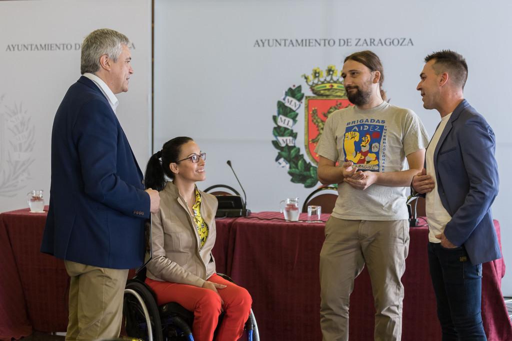 Brazadas solidarias contra el cáncer infantil: 25.000 metros a nado por Aspanoa