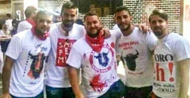 """El TSJN condena a los miembros de """"La Manada"""" a 9 años de cárcel por abuso sexual y los absuelve de agresión sexual"""