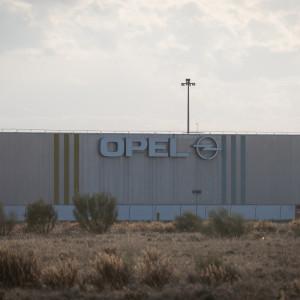"""CGT, OSTA y STOPEL convocan una concentración en contra de los """"despidos"""" y los """"contratos precarios"""" en Opel"""