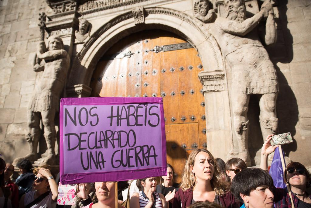 Ocho puñaladas es intento de asesinato, la primera sentencia del Tribunal Supremo con perspectiva feminista