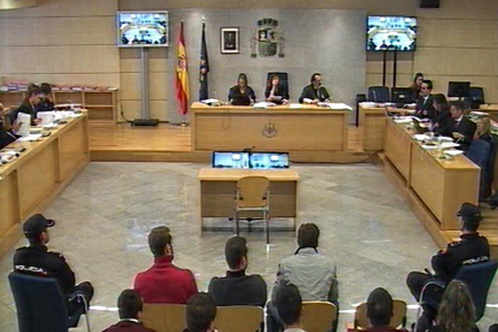 """La Guardia Civil vincula a los jóvenes de Altsasu con ETA, pero reconoce que """"la actividad de Ospa no ha sido violenta"""""""