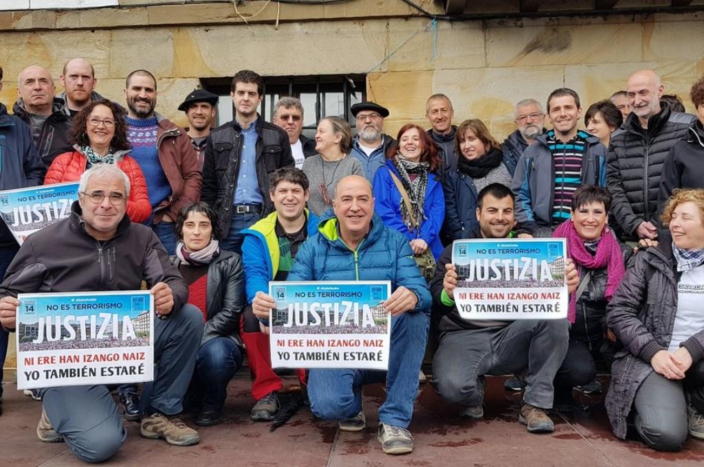515 días de vergüenza: Iruñea se manifiesta contra el montaje del caso de Altsasu