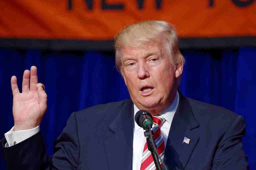 Concentración en Zaragoza para denunciar el intento de Trump de buscar inversores para afianzar el Estado de Israel