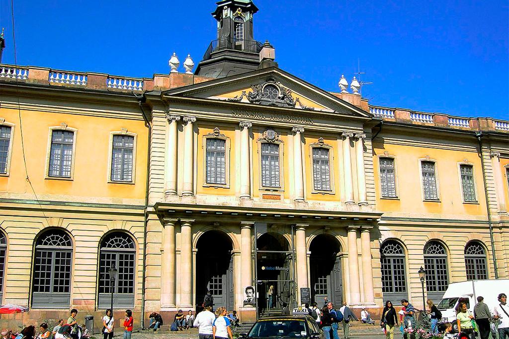 Las alfombras de la Academia Sueca: 18 denuncias por agresiones sexuales a Jean Claude Arnault