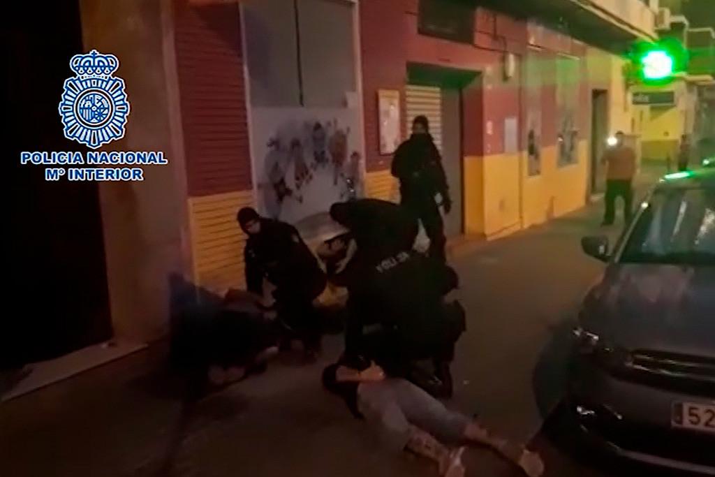 La Policía española detiene en Huelva al padre que huyó de Zaragoza con su hijo de ocho años