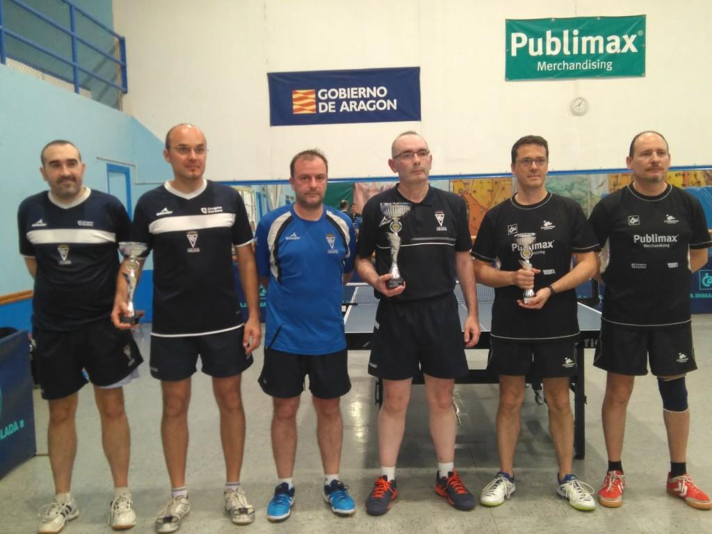 Los veteranos del Centro Natación Helios dominan el Campeonato de Aragón de tenis de mesa por equipos
