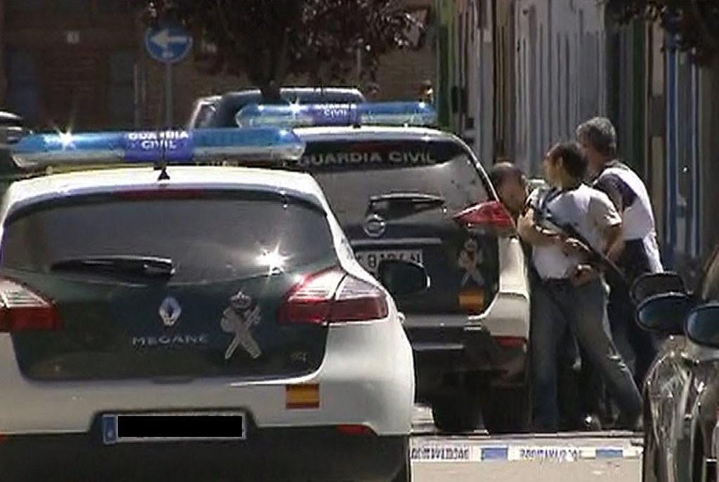 Se entrega el policía que se había atrincherado en los juzgados de L'Almunia de Donya Godina