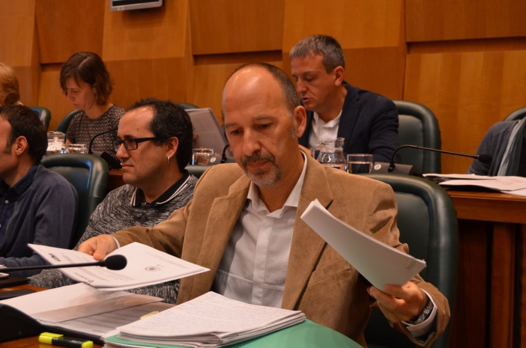 """Carmelo Asensio: """"PP y Ciudadanos han vendido a Aragón y Zaragoza por un puñado de monedas de plata"""""""