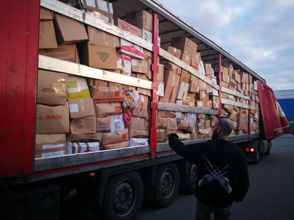 Organizan en Zaragoza la cuarta recogida de alimentos para personas sin refugio en Grecia