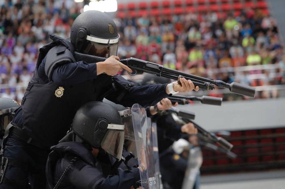 Antidisturbios y operaciones especiales para un público infantil