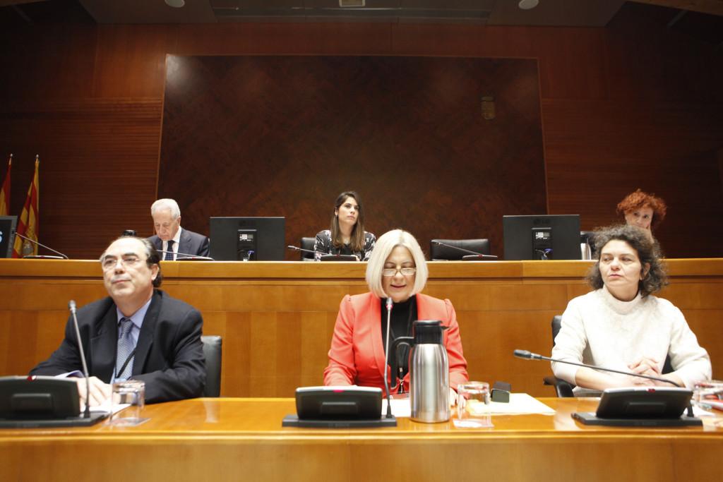 Personas afectadas por iDental se movilizan para exigir la incorporación de la salud bucodental a la sanidad pública aragonesa