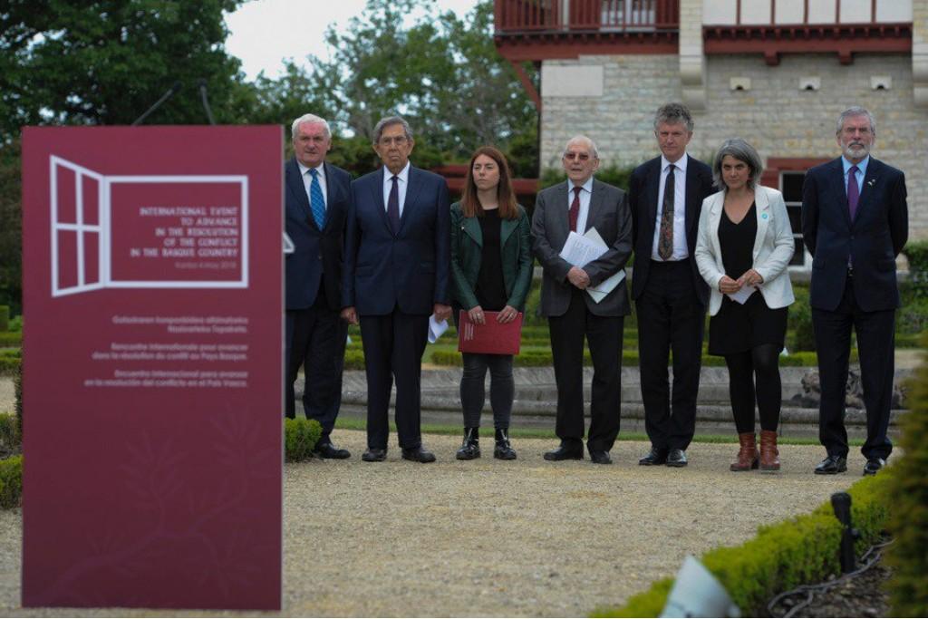 La Declaración de Arnaga avala el fin de ETA y aboga por la reconciliación, la paz y la resolución