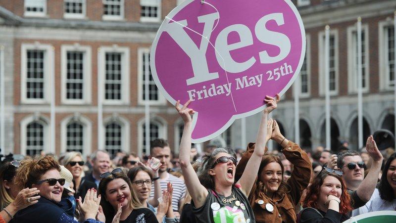 Irlanda apoya por una contundente mayoría la despenalización del aborto