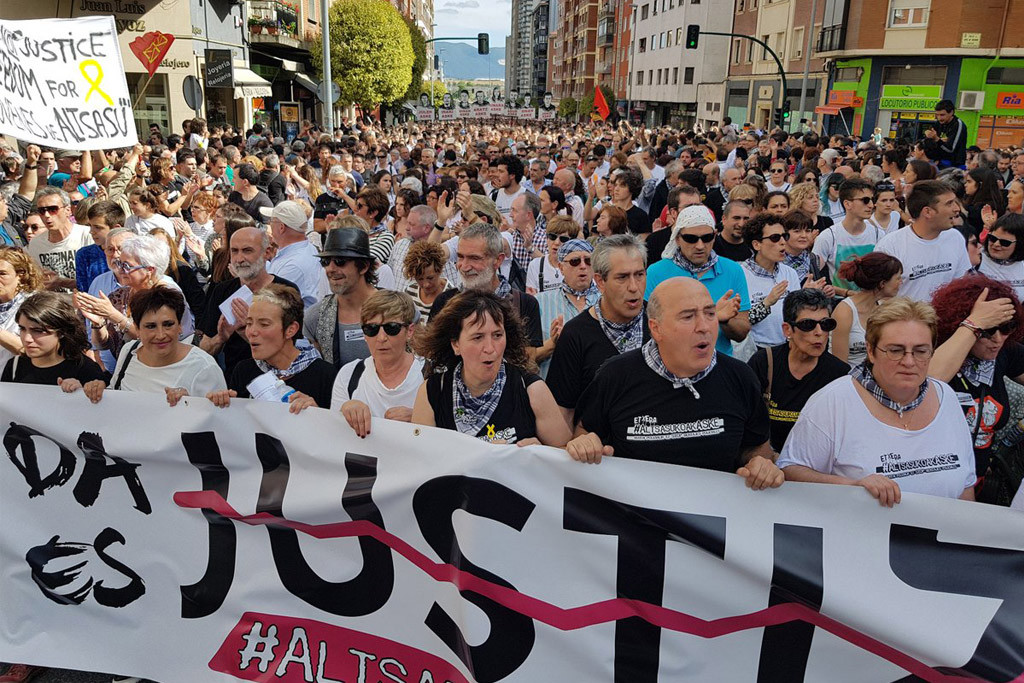 Dos jóvenes más de Altsasu llegan a cárceles de Euskal Herria cerca de su localidad