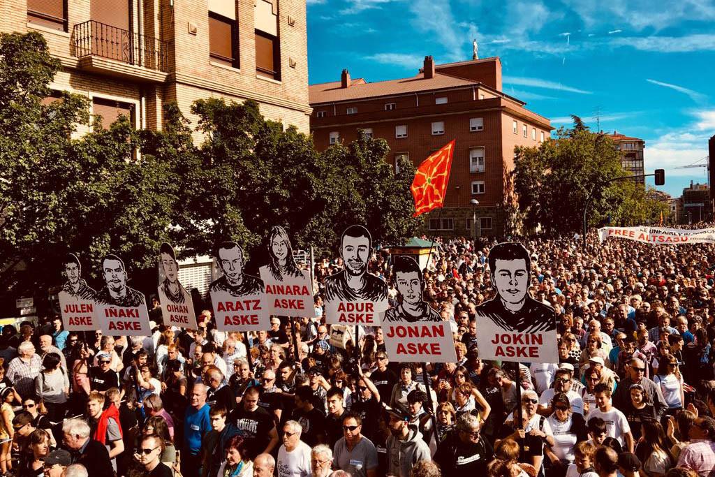 Dos de los jóvenes de Altsasu serán trasladados a una cárcel en Euskal Herria