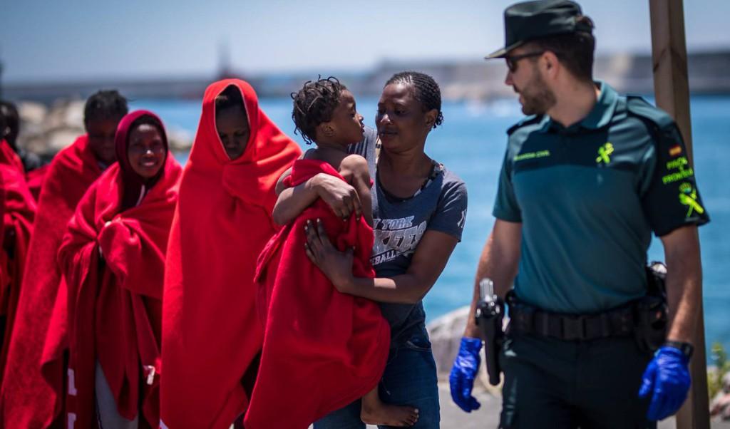 Las personas migrantes del Aquarius recibirán un permiso de residencia de 45 días