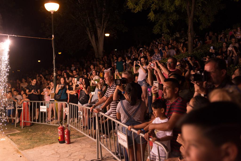 El público disfrutando de la hoguera. Foto: Pablo Ibáñez