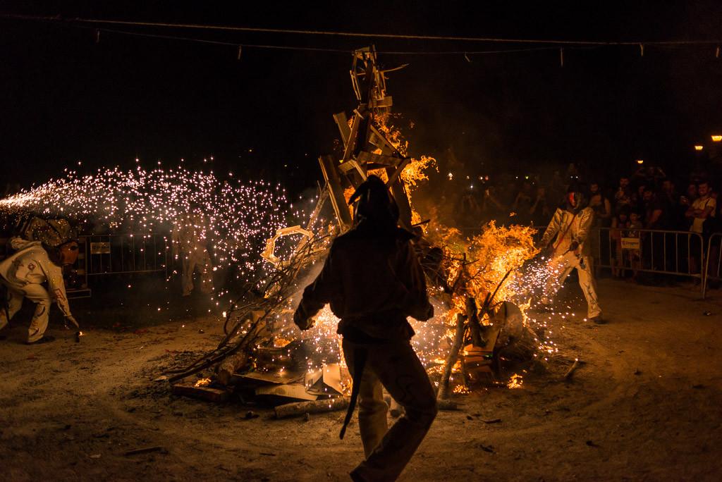 Más de 10 barrios de Zaragoza se quedan sin hoguera para celebrar el solsticio de verano