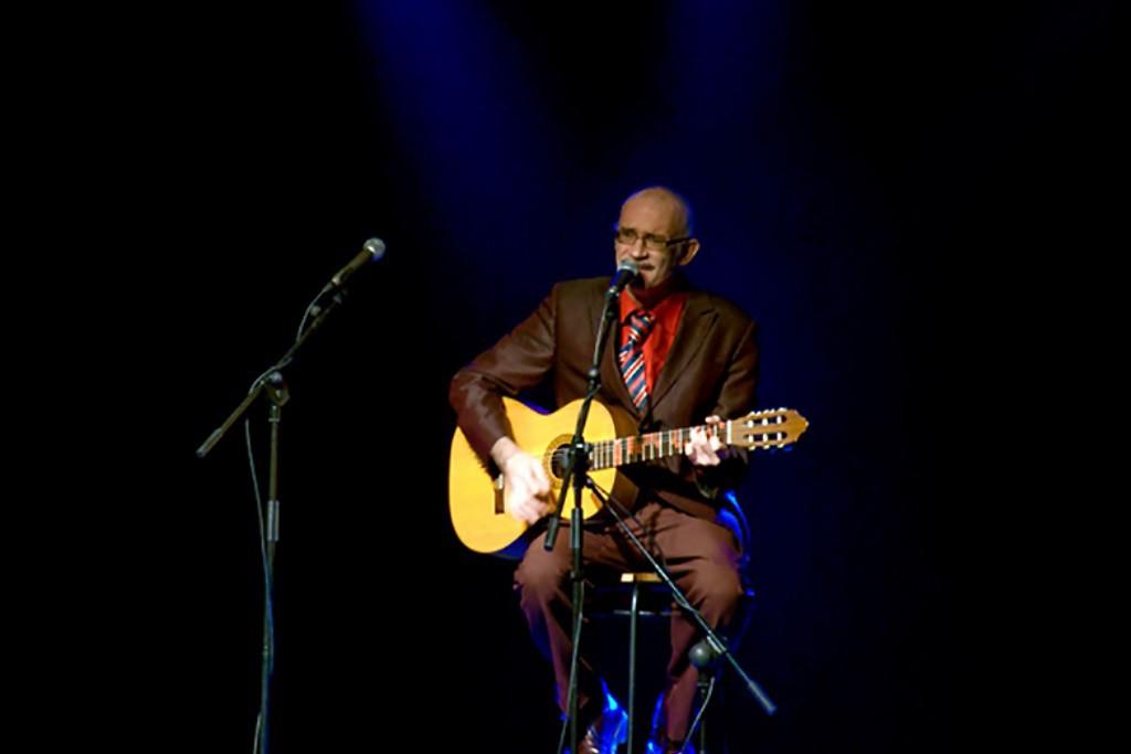 """El cantautor Franco Deterioro presentará su disco """"Recovecos y cachivaches"""" en el Teatro Arbolé"""