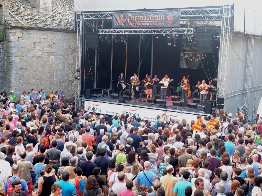 Pirenostrum, gran cita de la música tradicional y punto de encuentro entre lutieres y músicos