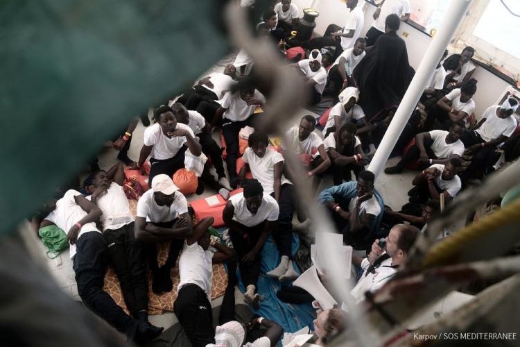 MSF insta al desembarco inmediato de las 629 personas a bordo de Aquarius