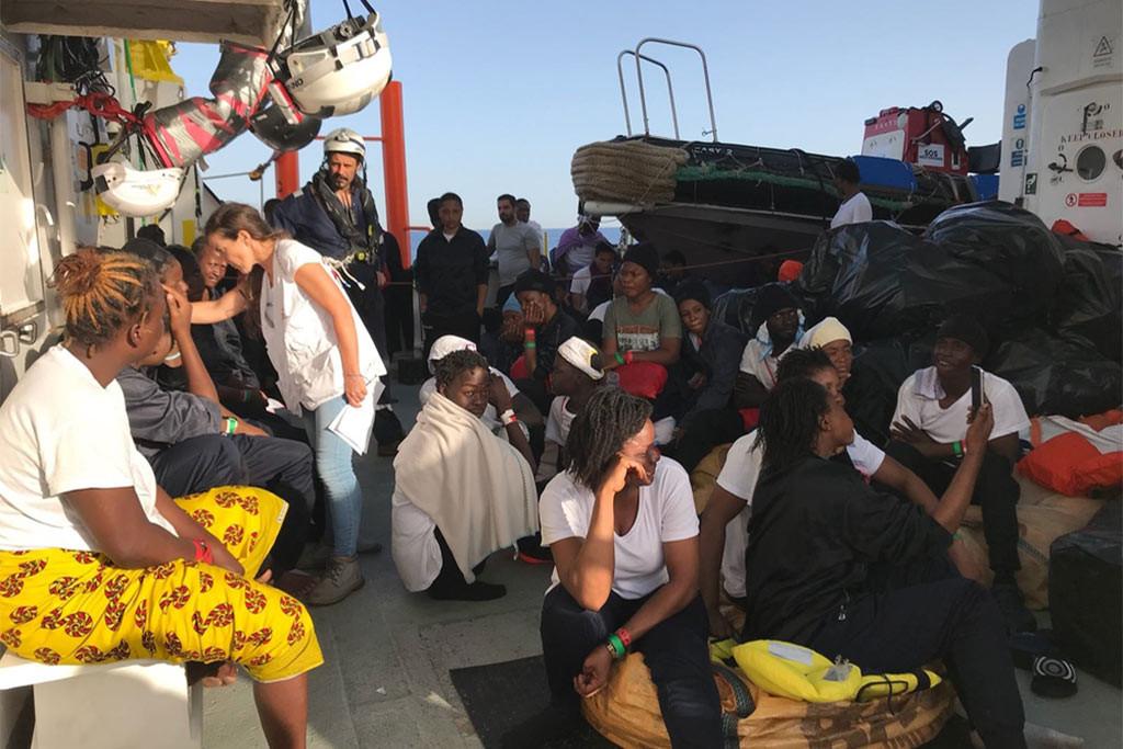 Las políticas europeas siguen cobrándose la vida de miles de personas un año después del cierre de los puertos italianos a las ONG de rescate