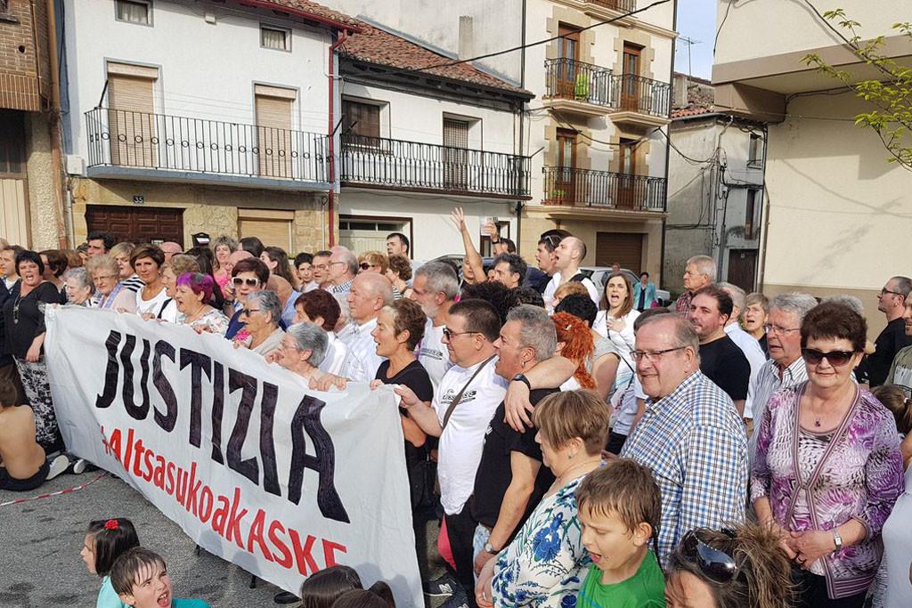 La Guardia Civil detiene a cuatro de los jóvenes de Altsasu que permanecían en libertad