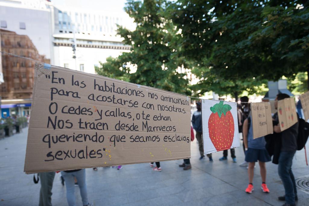 CGT exige a la Administración que actúe contra la situación de las temporeras de Huelva