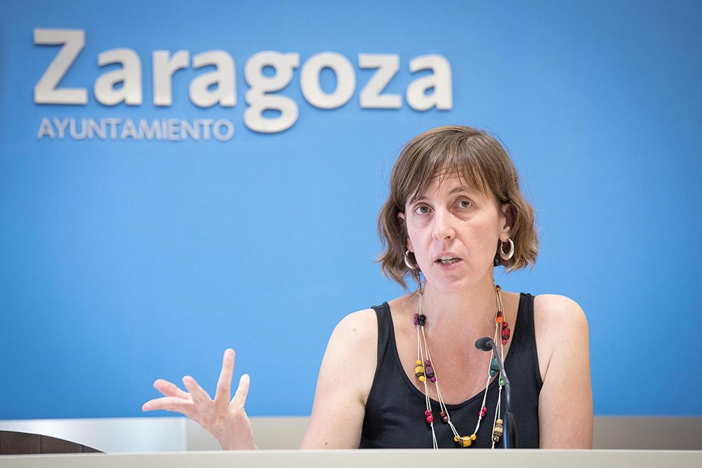 El Ayuntamiento de Zaragoza obligado a retirar las señales que permitían la circulación de bicis en calles peatonales de acceso restringido