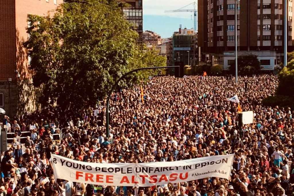 """Madres de Altsasu ofrecen una charla en Zaragoza para """"poner luz a la oscura versión oficial"""""""