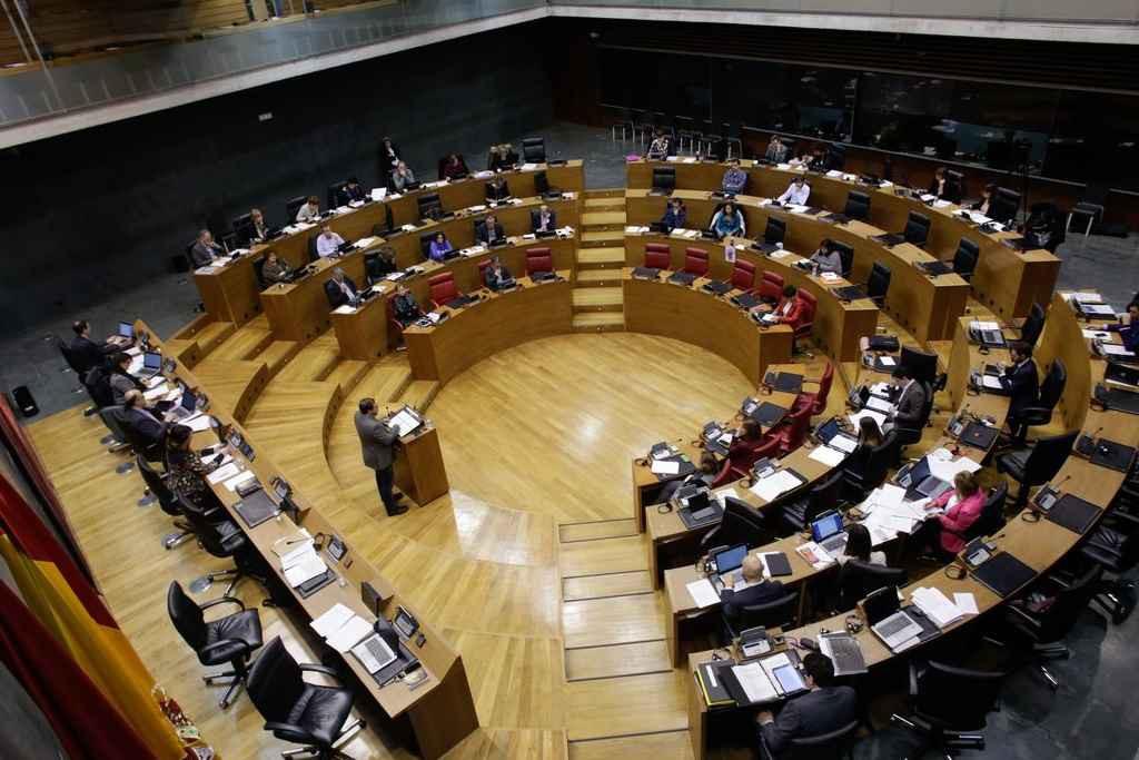 El Parlamento de Nafarroa se suma a la protesta contra la sentencia del caso Altsasu