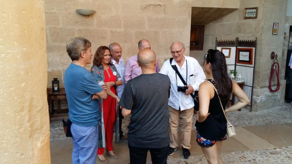 Saura recuerda su amistad con Buñuel y aplaude la intensa actividad cultural de Aragón horas antes de recibir el premio Buñuel Calanda