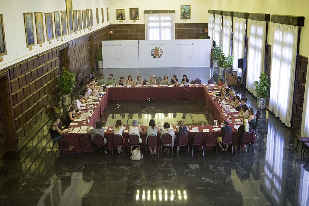 El Consejo Sectorial de Igualdad inicia su trabajo con la participación de 22 entidades ciudadanas, 16 instituciones, sindicatos y grupos municipales