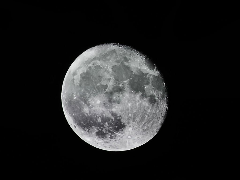 El Eclipse lunar más largo del siglo XXI centra las actividades de esta semana en el Planetario de Aragón