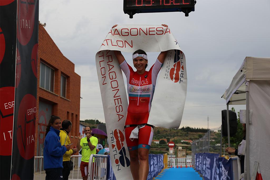 Fernando Zorrilla e Ivet Farriols se hacen con el primer puesto del II Half Triatlón de Mequinensa