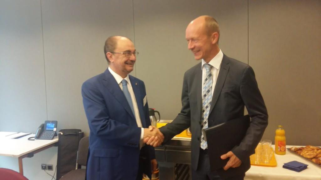 Lambán asegura que la CE está dispuesta a incluir el Corredor Cantábrico-Mediterráneo dentro de los fondos europeos