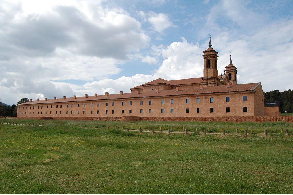 El Monasterio de Sant Chuan d'a Penya acoge dos exposiciones relacionadas con la Memoria Democrática
