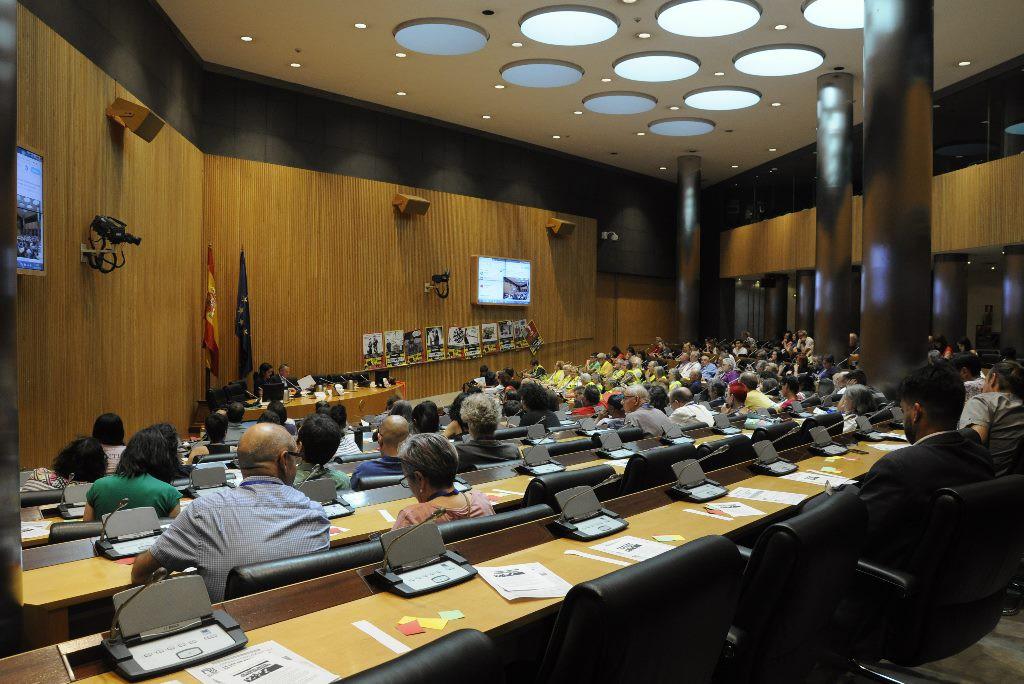 La sociedad civil exige a Pedro Sánchez una derogación más ambiciosa y completa de la Ley Mordaza