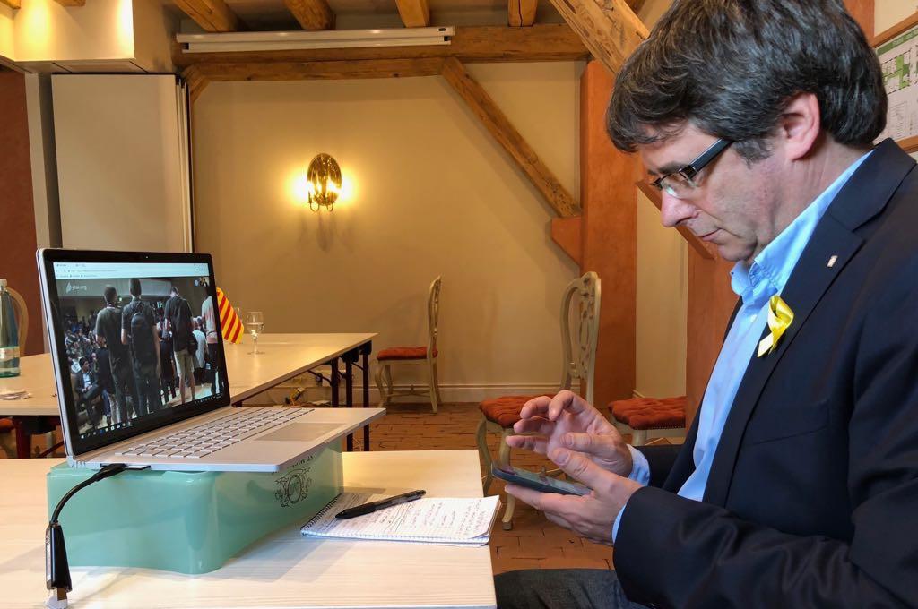 Carles Puigdemont presenta en sociedad el movimiento Crida Nacional per la República