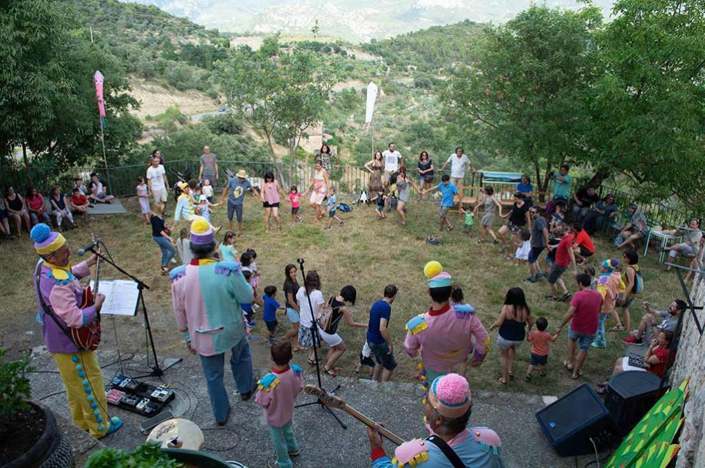 """Arranca el Festival """"País de Moñacos"""" con un concierto y títeres para todos los públicos"""