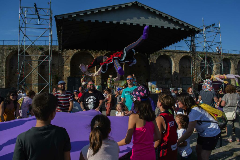 El Festival Castillo de l'Aínsa se despide con el reconocimiento a los Titiriteros de Binéfar