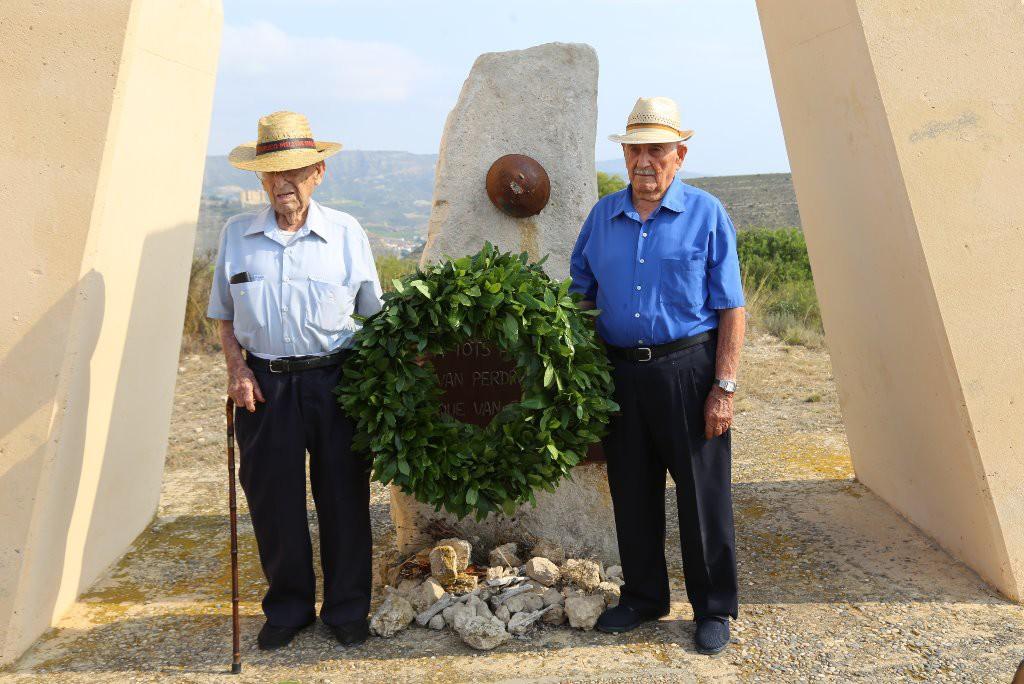 """Conmemoran el 80 aniversario del inicio de la Batalla del Ebro en el Monumento de los """"Auts"""" de Mequinensa"""