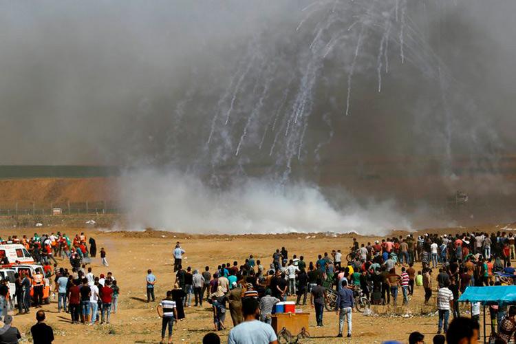 El ejército israelí asesina a un palestino y hiere a otras 37 personas en una nueva protesta en Gaza