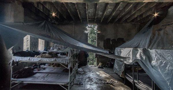 """Advierten de las situaciones de violencia y condiciones de vida """"inadecuadas"""" que sufren las personas migrantes y refugiadas en Bosnia-Herzegovina"""
