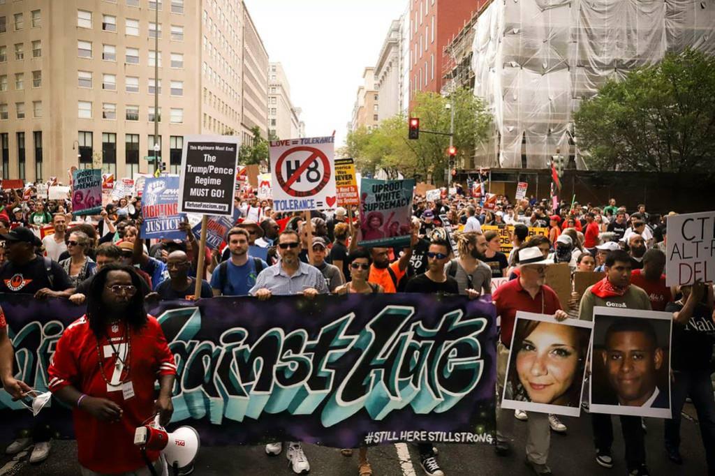 Miles de personas boicotean una concentración neonazi en Washington