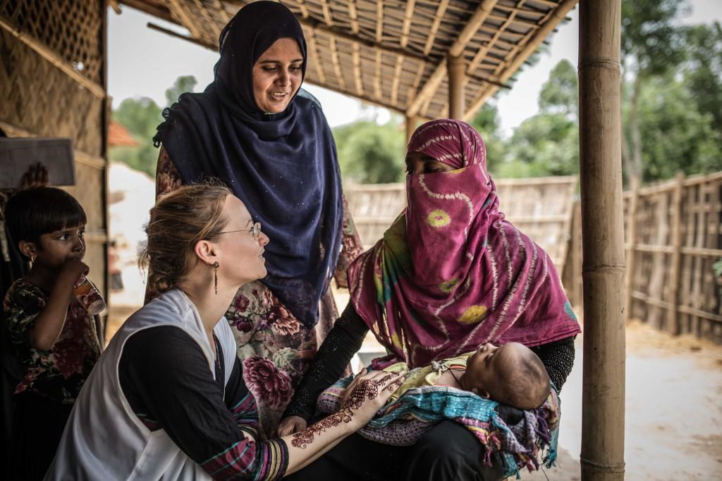 """Un año después, la población refugiada rohingya sigue viviendo en campamentos improvisados con unas condiciones de vida """"inaceptables"""""""