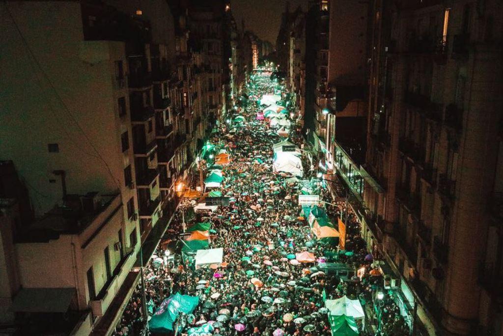 El Senado argentino votó a favor de los abortos clandestinos